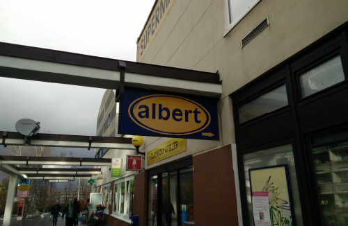 Photo of the old Albert sign