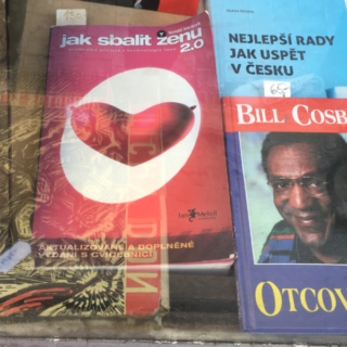 "New Town bookshop displays ""How to Pick Up a Woman 2.0"" (""Jak sbalit zenu 2.0"") next to Bill Cosby book"