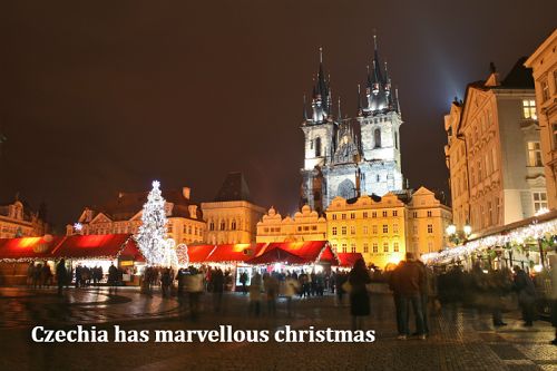 "Photo of the Old Town Square Christmas market with the slogan ""Czechia has marvellous christmas"""