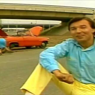 "Screenshot of Karel Gott's ""Dívka zavodník"" video"
